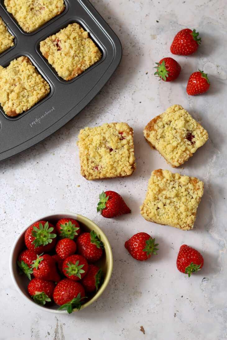 Erdbeer Blondies Rezept | bäckerina.de